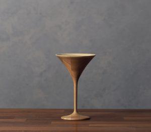 木のカクテルグラス