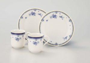 白に青の模様のペアカップ&ソーサー